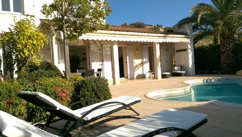 Villa piscine privée domaine luxe,5min plage&golf - Villeneuve-Loubet - House