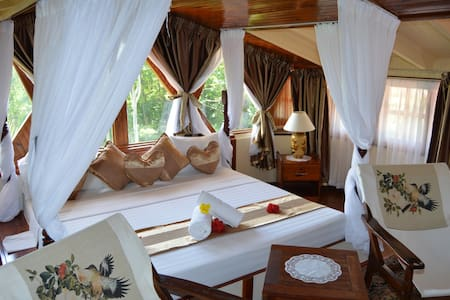 Carana Hilltop Villa (Honeymoon Suite - 15% OFF)
