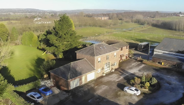 Exceptional 19th Century Barn Conversion