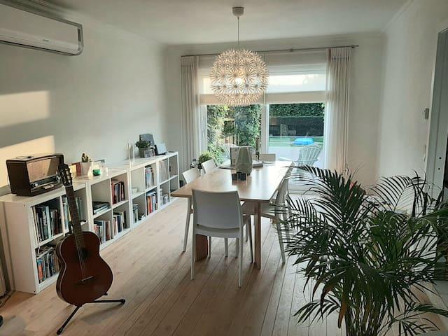 Sfeervol huis met gezellige tuin!