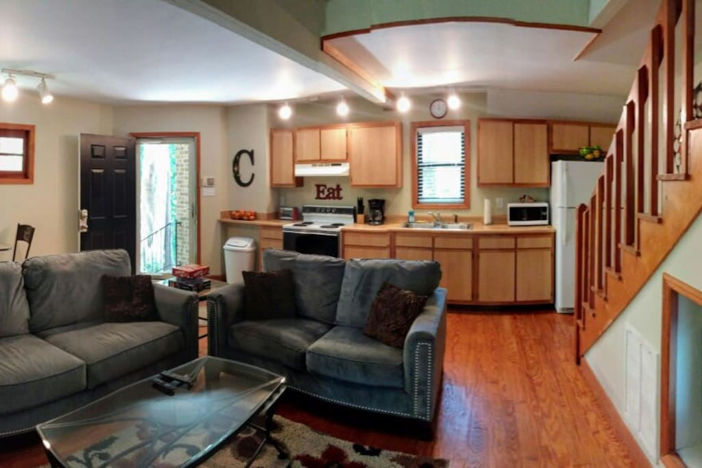 Cozy living/dining area with all the ammeneties of home