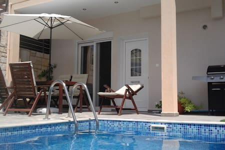 """Theeporto"" Maisonette with pool,Heraklion, Crete"