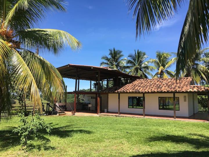 Finca en Doradal ( Hacienda Napoles y Rio Claro )