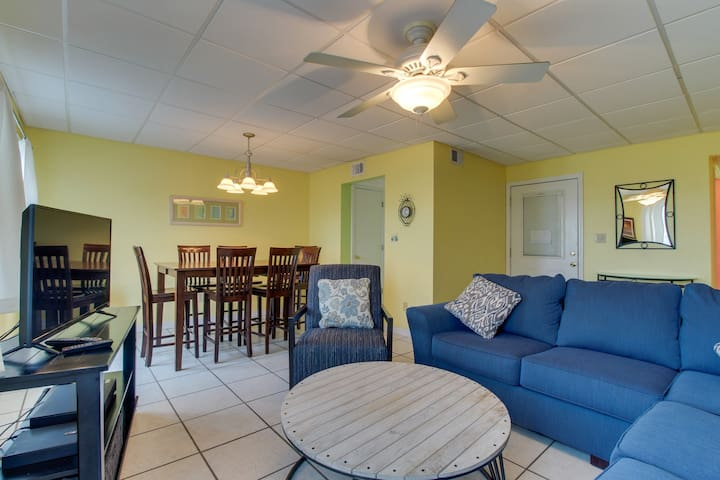 Family-friendly bayfront home steps from the beach & close to local attractions