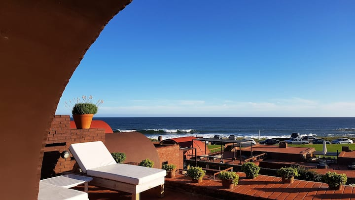 Departamento con gran terraza con vista al mar