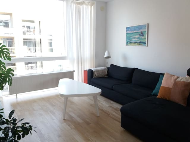 Spacious apartment close to the water