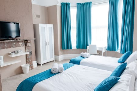 Family En-Suite Room in Town Center - Southampton