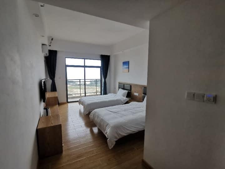 金海岸公寓,高层可见海景,下楼可至沙滩