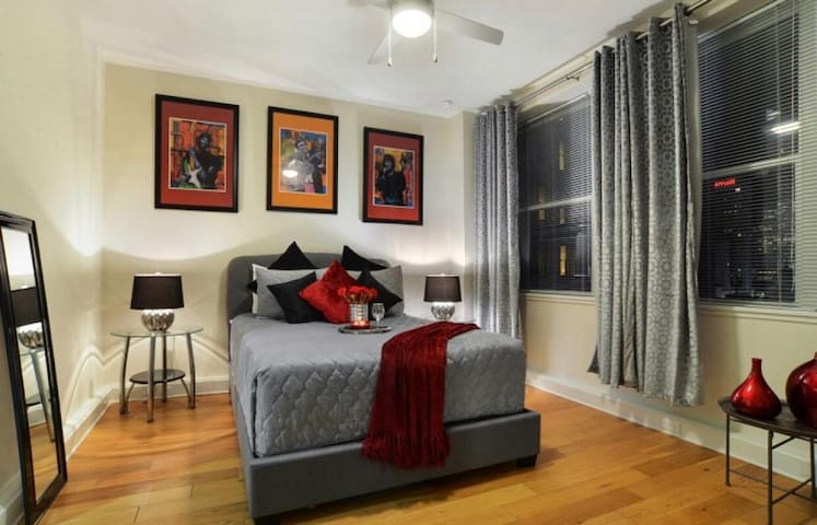 !!NOLA | Downtown/French Quarter Condo!!