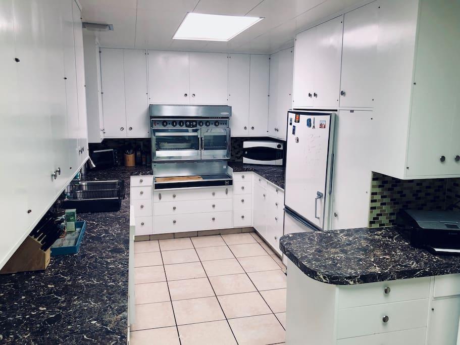 Huge kitchen space