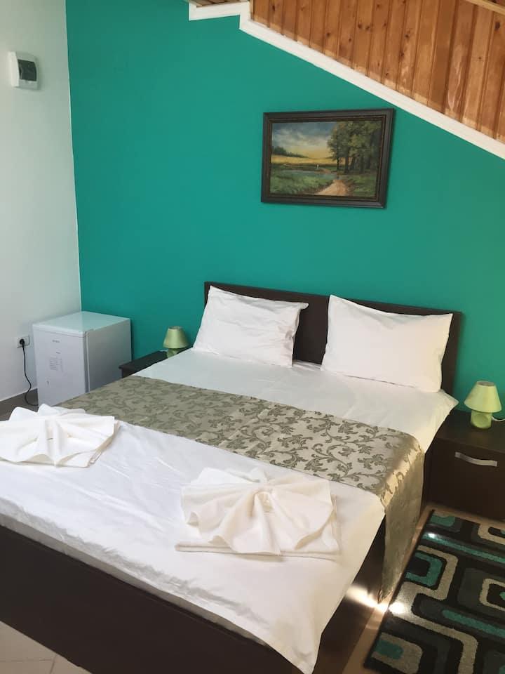 Green Bedroom in Mamaia