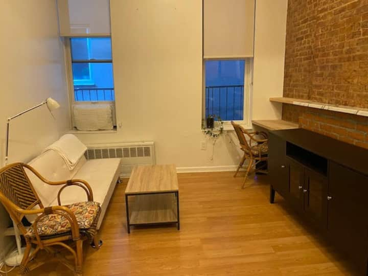 Bleecker Street 1-bedroom in NoHo (3R)