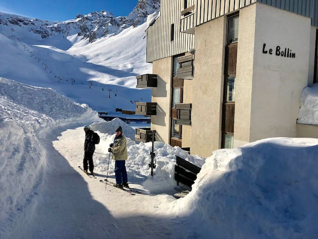 SUNDAY RENTAL! Val Claret SKI IN SKI OUT 4-5 PAX WITH WIFI REF BOLL35