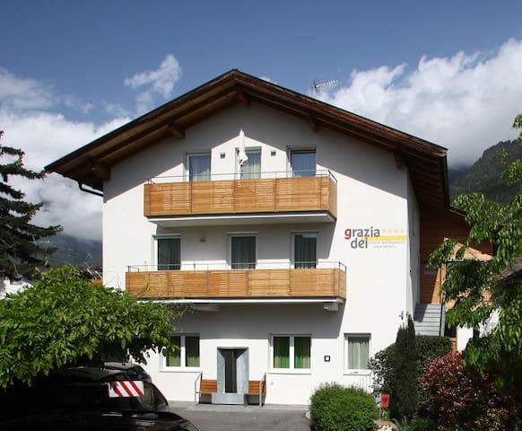 Wohnung Sommermond 80 m² zentral, ruhig - Algund - Apartamento