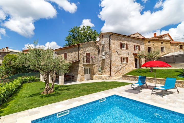 Villa Zoro with a lovely garden and a private POOL