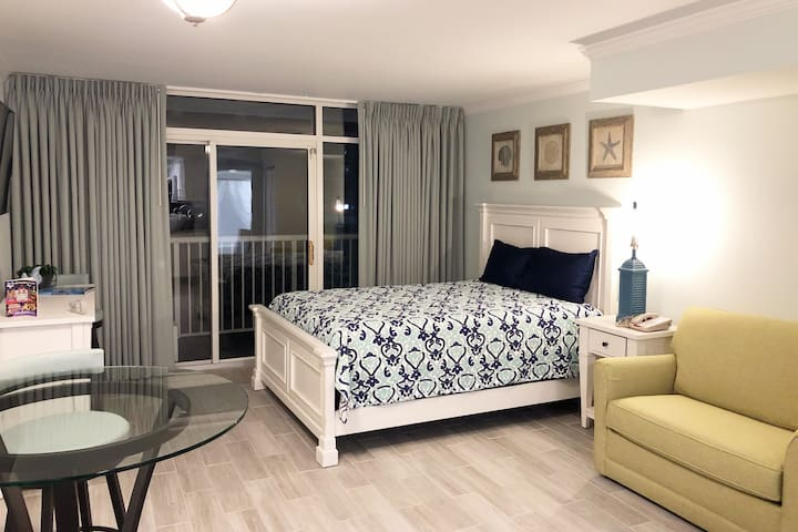 Newly Renovated Oceanfront Condo with Full Kitchen