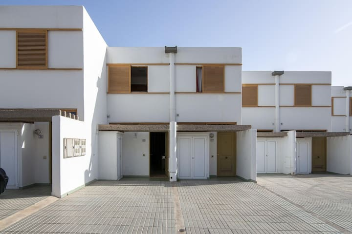 Cosy Holiday Home in Maspalomas with Swimming Pool