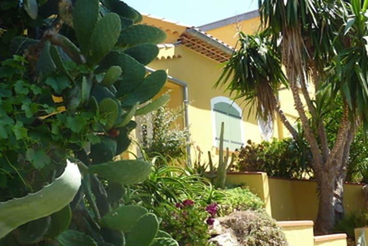 Villa Cabo Verde Ile du Levant - Hyères - Pension
