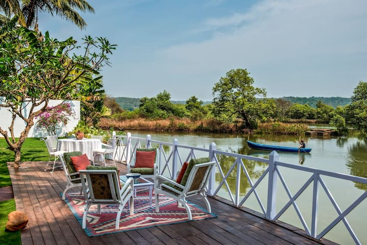 6 Room Villa in Britona on the Mandovi River