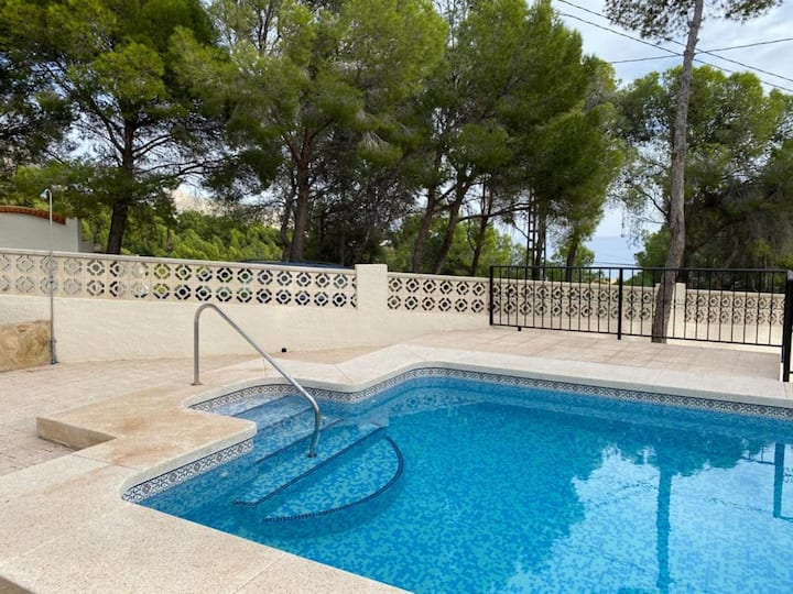 Beautiful renovated villa with swimming pool in Altea