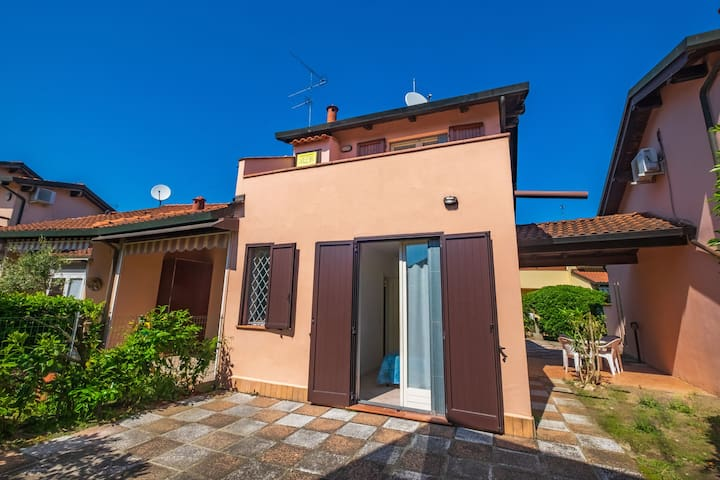 Peaceful Holiday Home in Lido di Volano with Beach Nearby