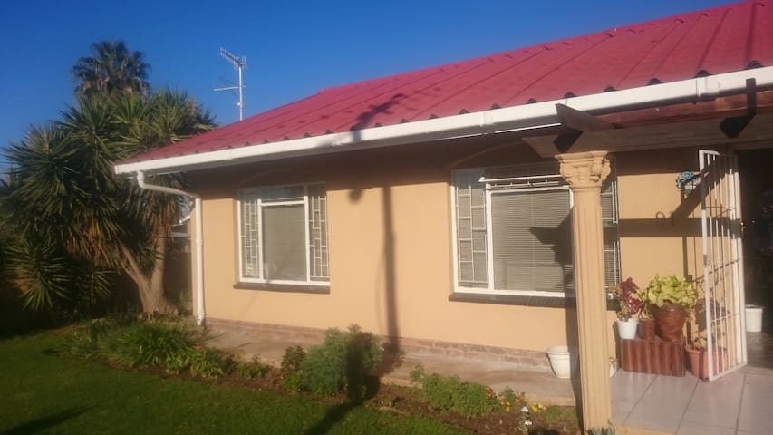 home Stay Accomodation in Oudtshoorn