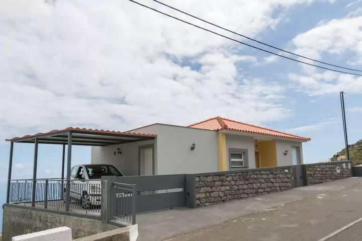 Villa Isabel Ocean View in Arco da Calheta