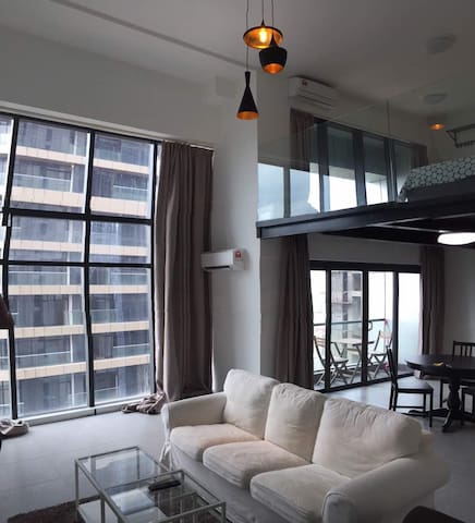 (MOVIE/WIFI) HIDEAWAY LOFT @ EMPIRE CITY DSARA