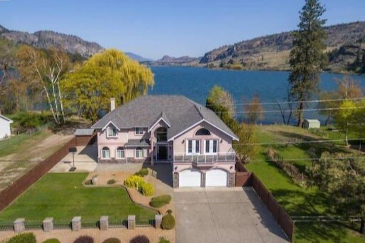 South Okanagan Lakefront Luxury! Spring specials!