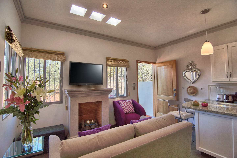 Living Room w/gas FP, smart TV