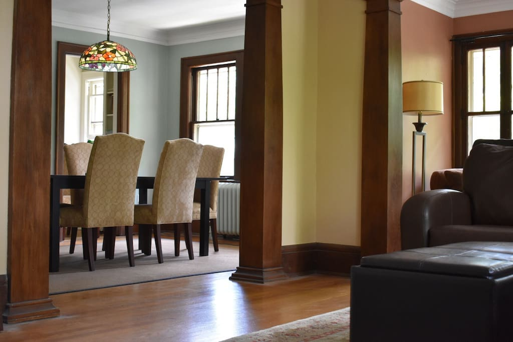 Classic Uptown 4br Steps To Lk Calhoun Sleeps 8 Apartments For Rent In Minneapolis