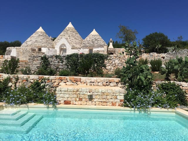 Fantastic Trullo with Wi-Fi, Pool and Parking Spaces
