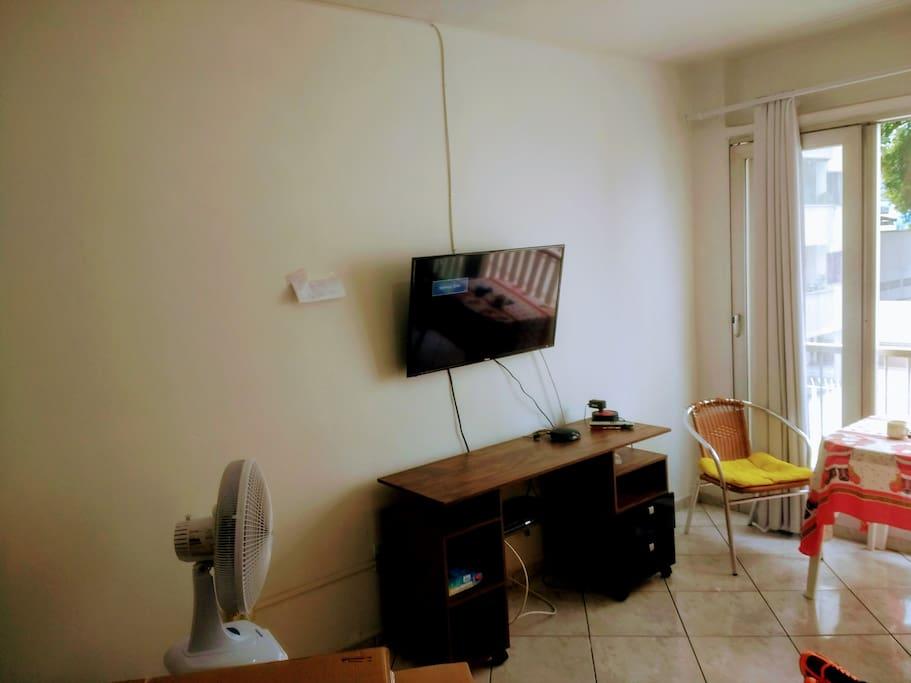 """Sala com TV LED 39"""""""