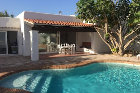 Can Fuentes Villa for 6 people with private pool