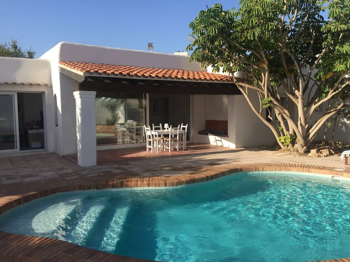 Can Fuentes Villa for 8 people with private pool