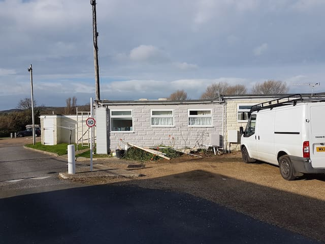 112 Sandown Holiday Park, Wifi, sleeps 4