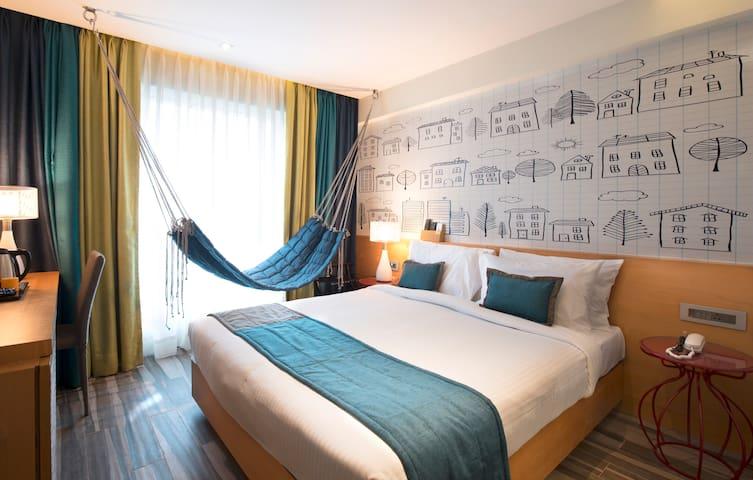 The Hammock Room- Wifi+BnB+Airport Pickup Drop - Bombay - Butik otel