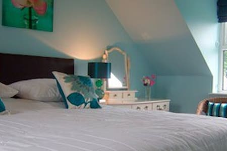 Lovely 4 Star Bed and Breakfast - Maenclochog