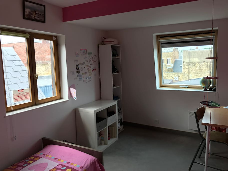 Chambre vue sur toits 2 pas place ducale appartements louer charleville m zi res grand - Chambre hote charleville mezieres ...