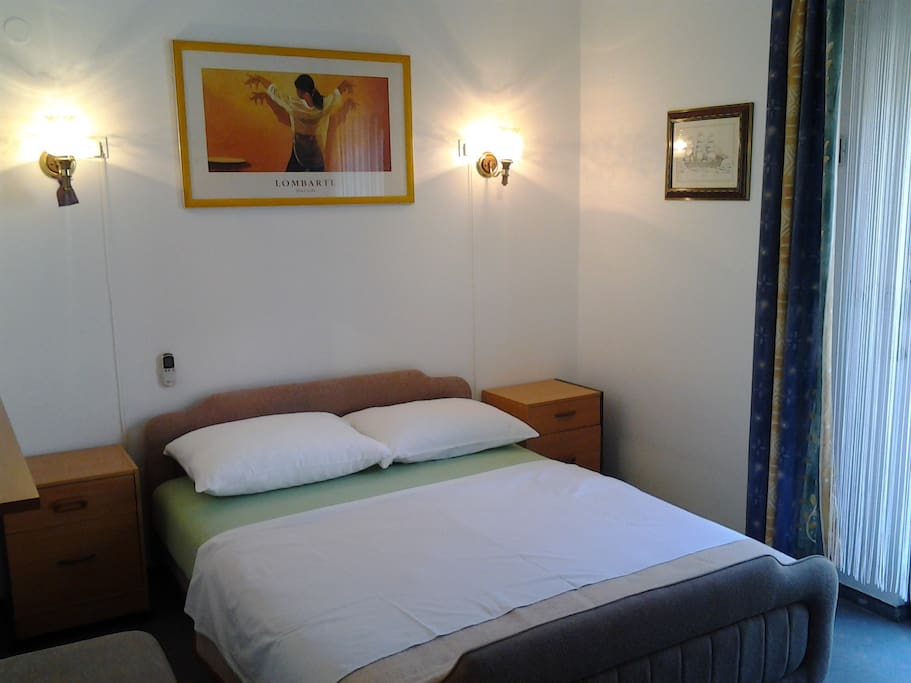 Clean rooms, WiFi& Air condition