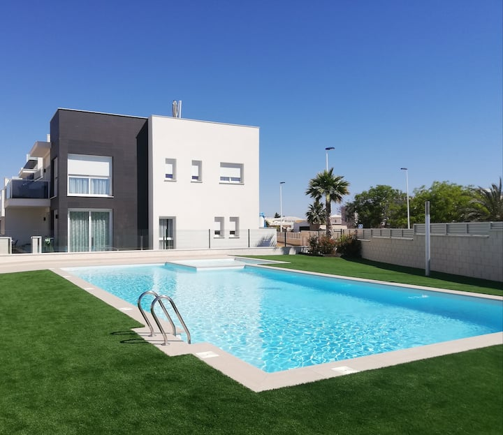Amay 880 Nr 1 Soutfaced Apartement, Community Pool