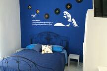 B&B Colori e Note | Blue Moon