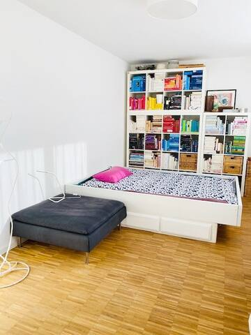Room in St. Pauli, optimal location