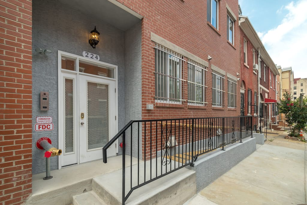 Downtown One Bedroom Apt By Convention Center 1c Apartments For Rent In Philadelphia