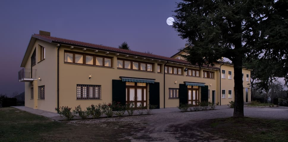 CAMERA SINGOLA - Solo Pernottamento - Teolo - Bed & Breakfast