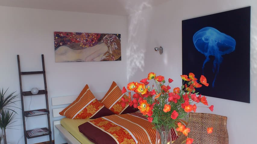 Ruhiges Apartment mitten im Winterfeld-Kiez