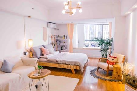 『梦兮』万达广场荆州古城写字楼北欧文艺轻奢风新公寓