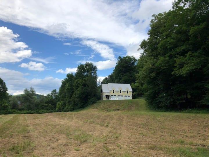 Brookside Farm, Woodstock, VT - 18 ac. with barn