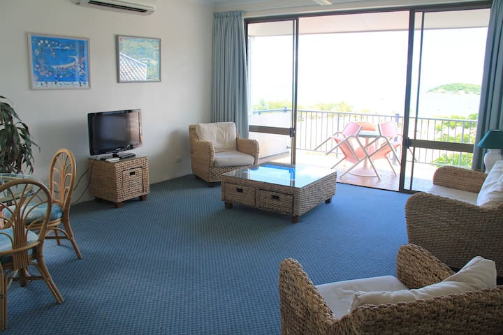Ocean View 1 Bedroom Apartment with Foxtel Sleep 3