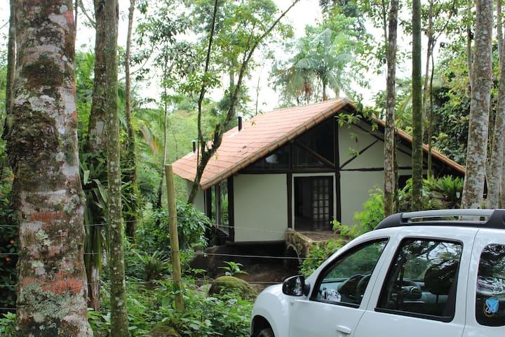 chácara com casa confortável, cachoeira e natureza - Paraty - Cabane